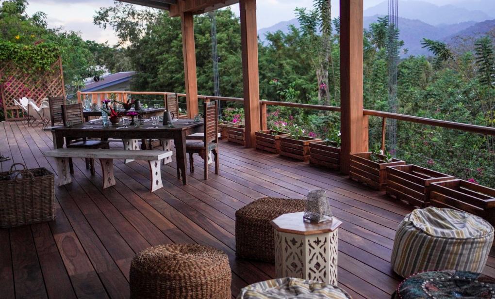 Sri Lanka Yoga  breakfast terrace