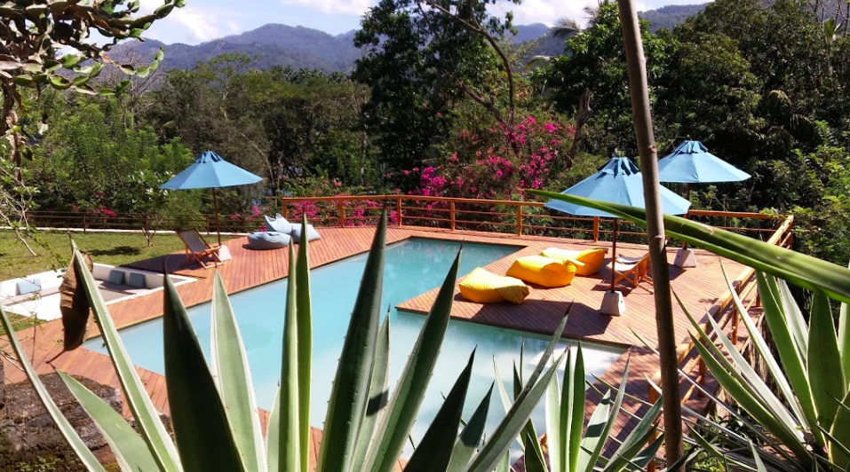 Sri Lanka yoga pool and deck lanscape